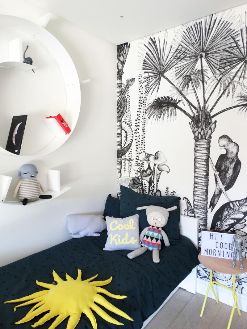 Fashionable furniture bookworm shelf for kids bedrooms for Decoration kartell