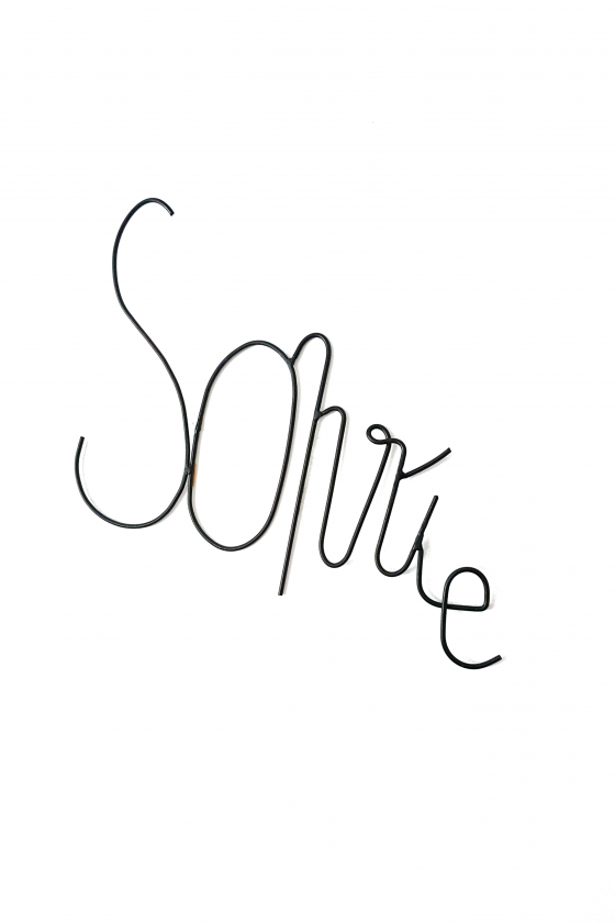 zoe_sonrie_black