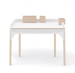 Mobiliario habitaciones juveniles escritorio madera y blanca de OEUF NYC