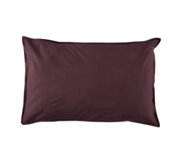 camomile_baby_pillowcase_wine