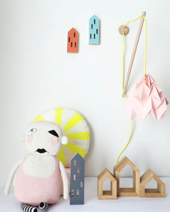Kids bedroom design, pink wall fixture Kilmoppe