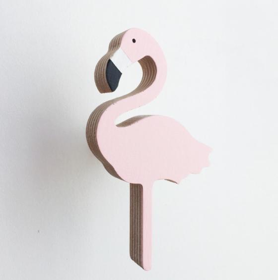 Perchero para niños forma de flamenco de Knobbly color rosa