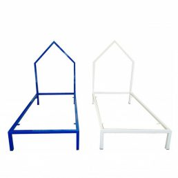 Junior house bed for kids  Peek&Pack design