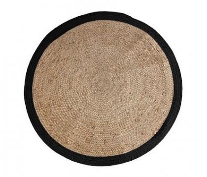 Round rattan carpet