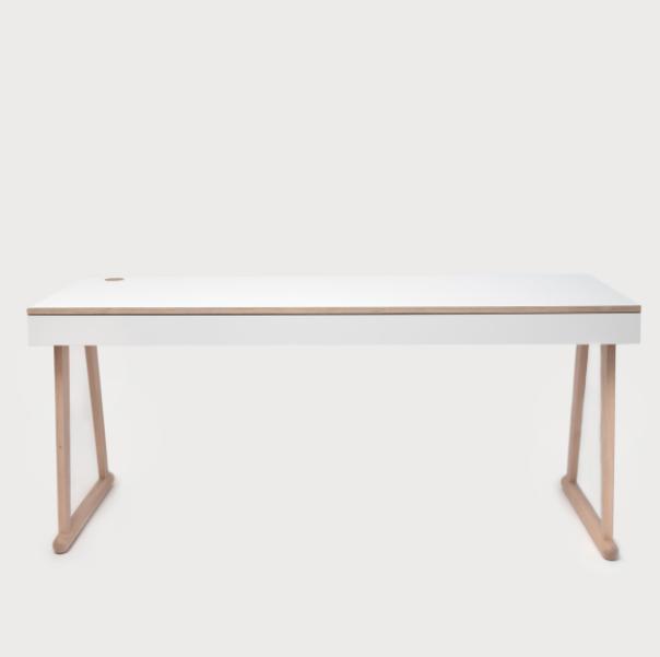 DYMO table